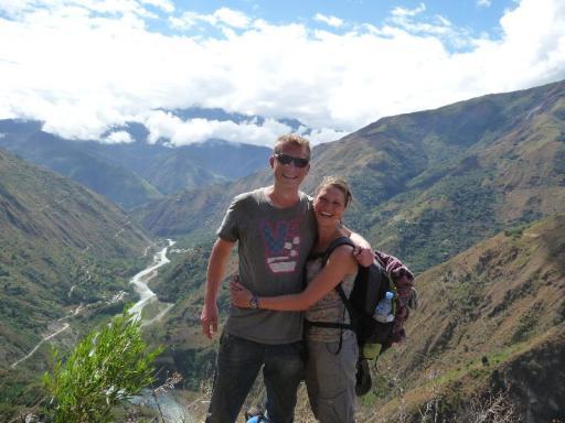 Daan en Majo tijdens lange wandeltocht