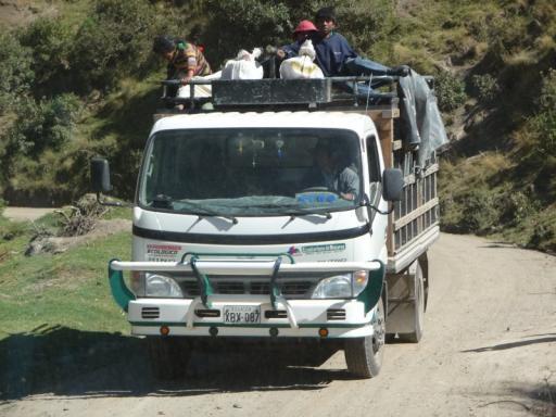 truck op weg naar Quilotoa