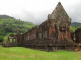 Wat Phu gelegen tegen de heuvels