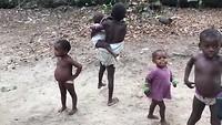 Pygmeeën aan het dansen
