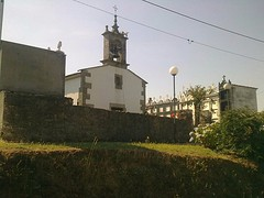 Kerkje met kerkhof