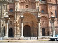ingang kerk Astorga