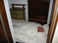 snurker Lambert moet in de hal slapen