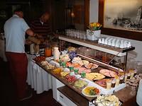 heerlijk ontbijt buffet in Passau voor het vertrek