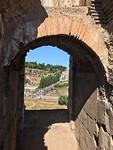 Colosseum doorkijkje naar buiten