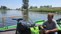 Veerbootje waar Moldau in de Elbe stroomt