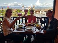 Eindigen met welverdiende lunch bij ViaVia in Ayacucho