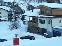Beheersd sneeuw van het dak schuiven