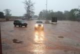 De hevige regenbui, begin van het regenseizoen