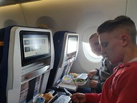 Lunch in het vliegtuig