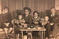 Ons gezin met pa en ma en 4 kinderen
