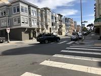 Testauto voor zelfrijdende auto's gespot