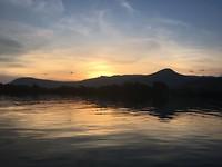 sunset op de rivier