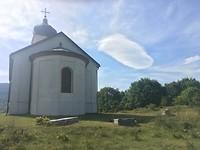 Kerkje bij farmstay Cardaklije