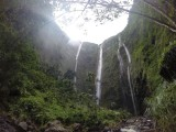 waterval in vallei