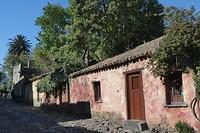 een oud straatje in Colonia