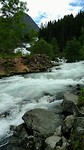 wilde rivier aan de camping