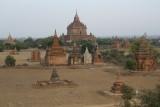 Bagan - Eén van de uitzichten op de honderde tempels