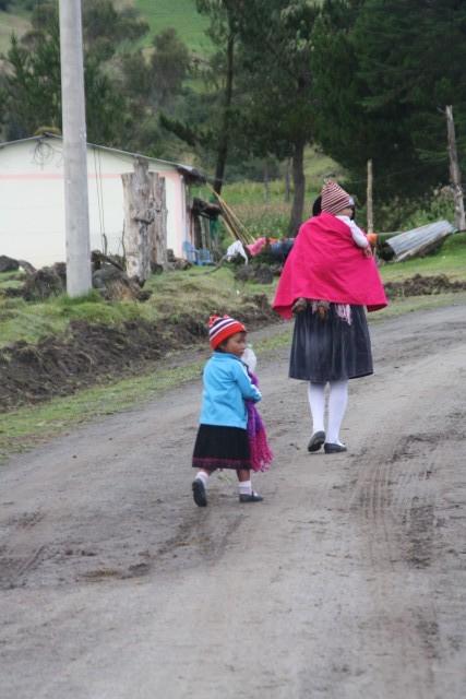 Dorpsbewoners tijdens de hike