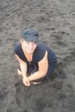Schutkleuren in het zwarte zand (ontstaan uit lava)