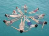 Gekkigheid naast de boot, allemaal goede vrienden na 8 dagen ;)