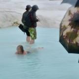 lekker even dobberen in het warme water