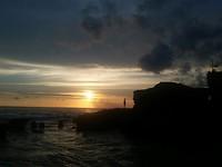 zonsondergang, tempel Tanah Lot