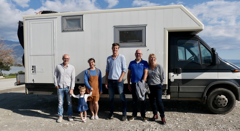 François, Fleur, Bea, Philippe en Estelle maakt de foto
