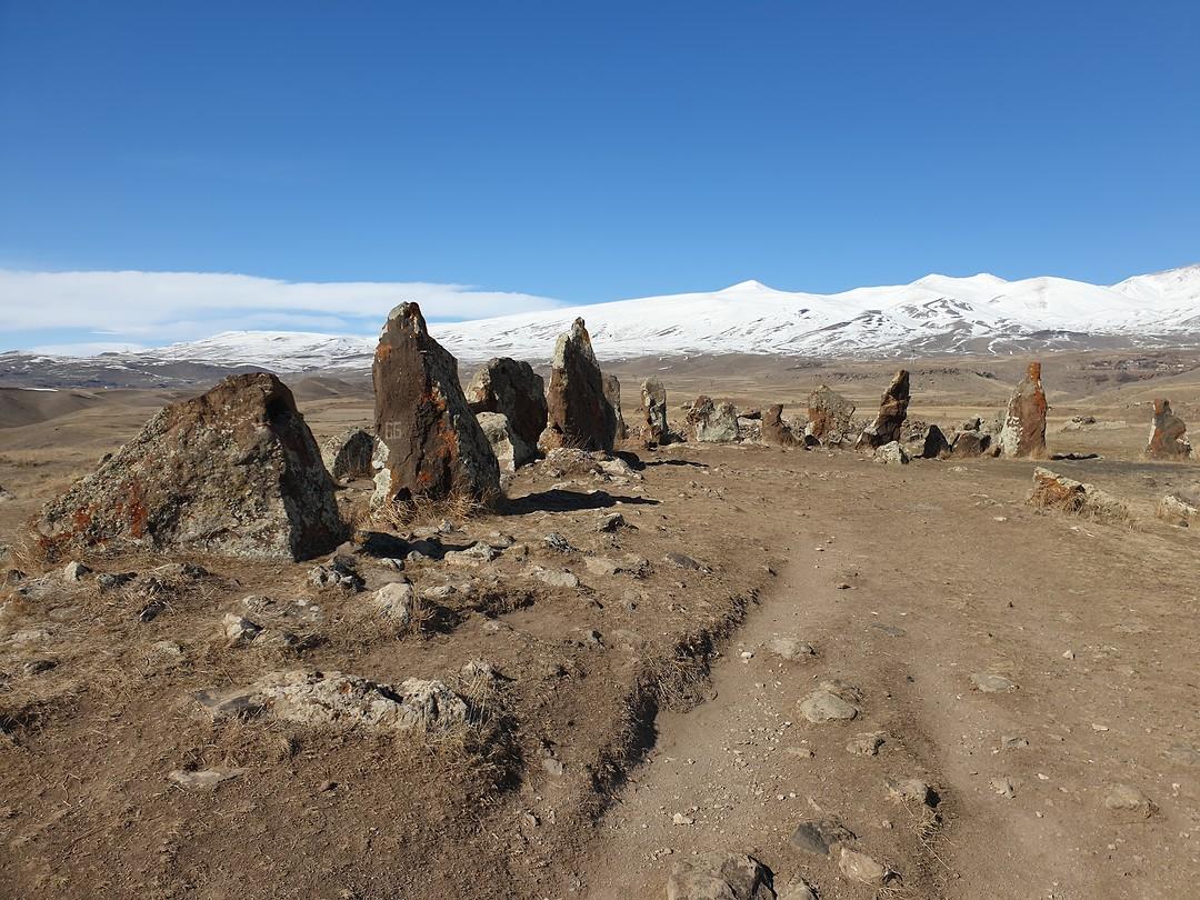 Stonehenge in Karakunj