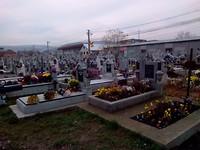 Veel bloemen en kaarsjes met aller heiligen