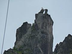De geitenrots bij Solvaer, op grote hoogte klauteren