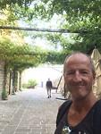 Op de stadsmuur in Budva (wat een naam.....)
