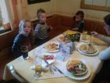 Na een druk dagje, even lekker eten bij ons in het dorp..'www.waldhof-trattner.at'