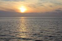 Zonsondergang boven de Oostzee