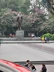 Een groot standbeeld van Lenin