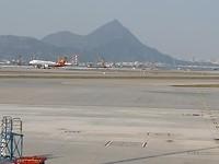 Ons uitzicht vanuit de businesslounge op Hongkong Airport