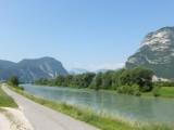 En weer de Adige, tot aan Verona volgen en kruisen we haar