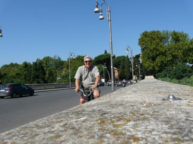 Langs de Tiber, op de vouwfiets!