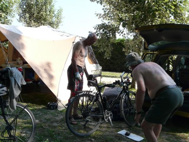 Demontage van de fietsen