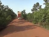 Route tussen grensposten Ivoorkust en Burkina Faso