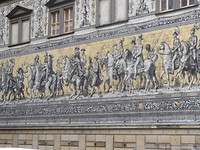 Fraaie wandversiering met taferelen van Saksische helden