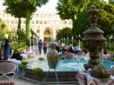 Theetuin van het Abbasi Hotel