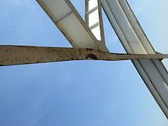 Auto de hoog brug stuk