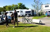 interessante contacten op de camping, hier een eenzame Zwitserse fietser