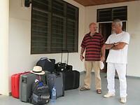 klaar voor vertrek naar Nkawkaw met 106 kg bagage