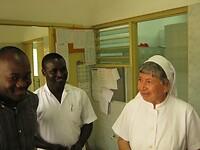 we nemen afscheid van zuster Edgitha en de andere medewerkers