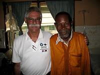 Bert met één van zijn laatste patiënten in zijn carrière