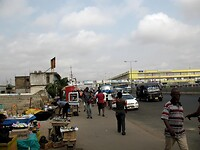 we rijden Accra binnen