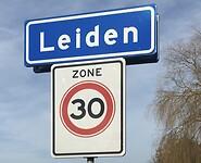 Plaatsnaambord Leiden