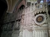 Chartres kathChartres beeldhouwerk binnen kath